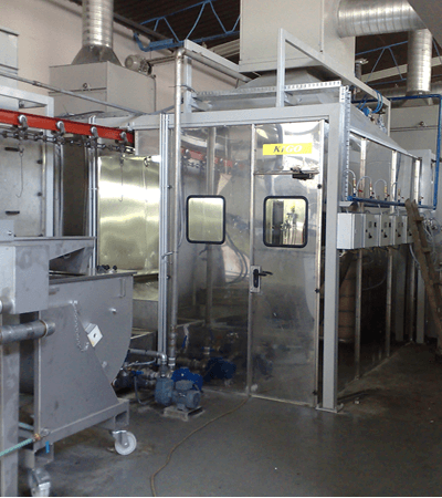 Wet coating spray booth with waterfall